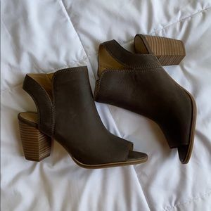 NWOT Lucky Brand Brown Leather Booties